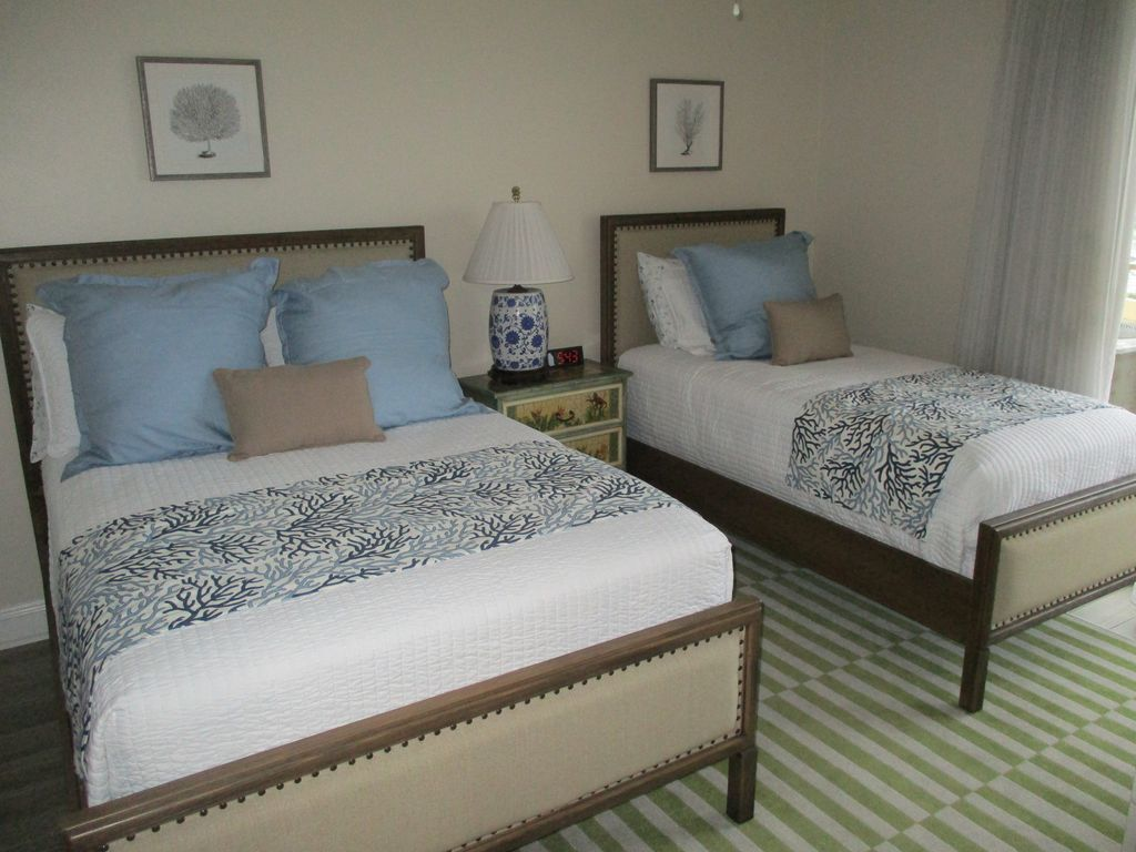 West Guest Full and Twin Bed's