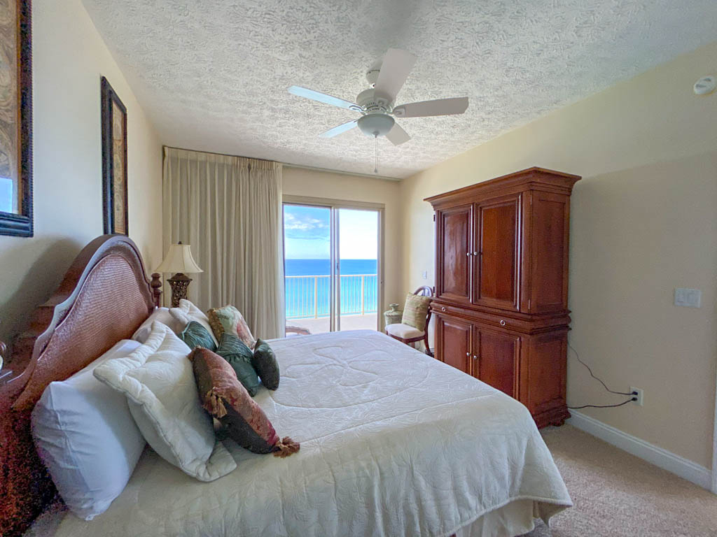 bedroom wtih Gulf view