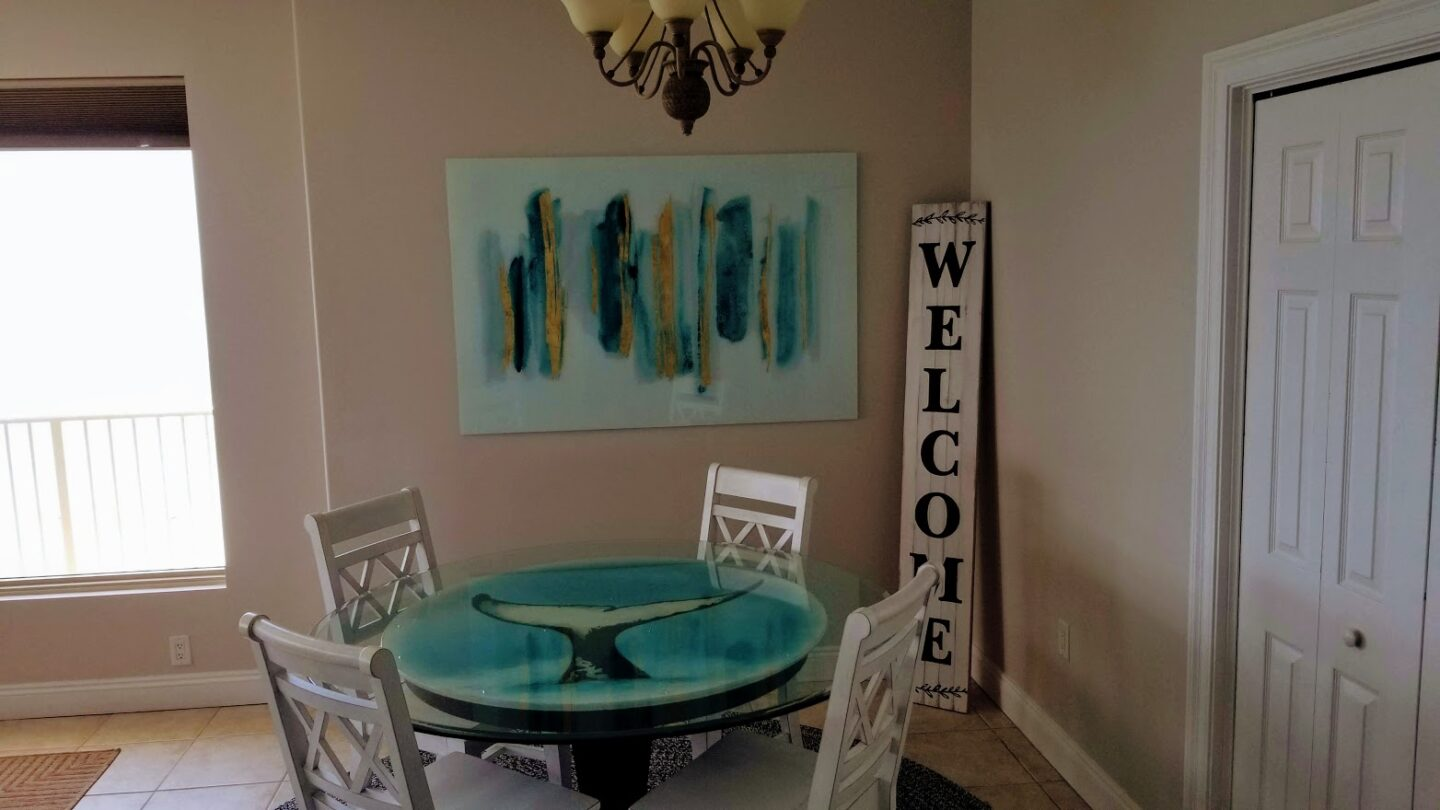 dining area with welcome sign